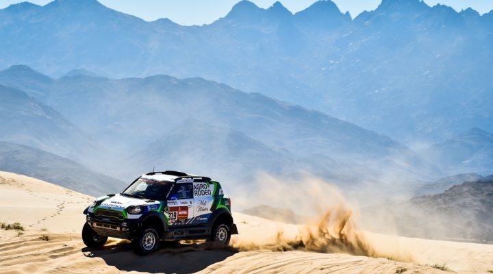 Dakar 2020 // SS1: MINI trio lead the way