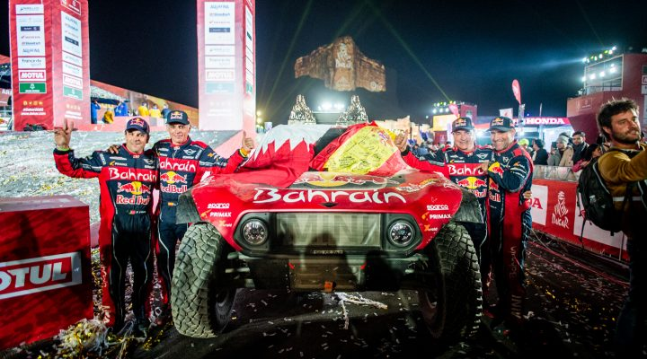 Dakar 2020: Sainz and Peterhansel celebrate first and third